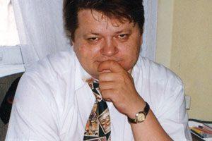 Poseł Leszek Bubel podczas przerwy w obradach sejmowych.